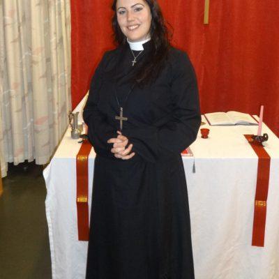 5. Syster Jade Sandberg, Diakonissa