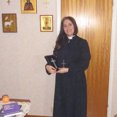 5. Syster Jade Sandberg, präst